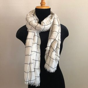 NWOT Rachel Pally cream checkered scarf